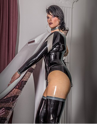 Damen Latex Catsuit in Strumpf Optik